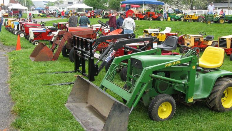 Vintage Tractor Show 100